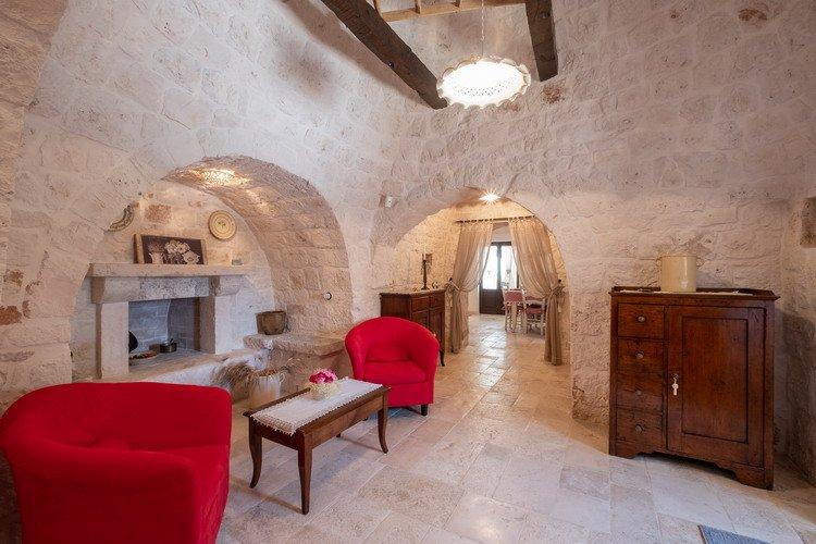Trulli Oasi Fiorita Puglia